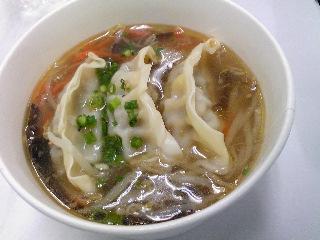 餃子と春雨のピリ辛スープ@ファミマ