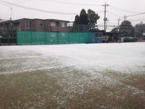 ベースラインまで雪が!