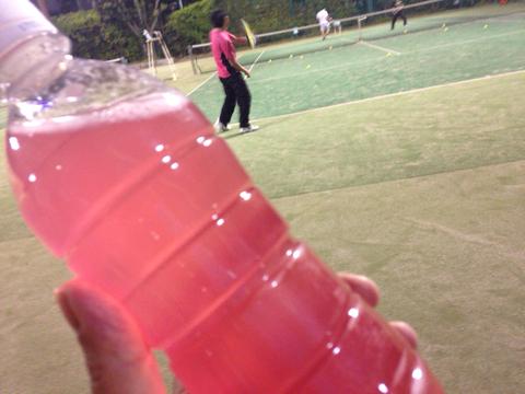 ピンクの水
