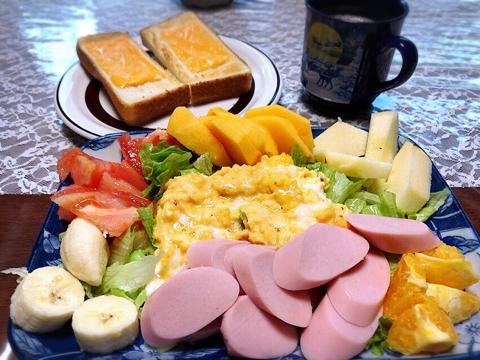 今朝の筋トレと魚肉ソーセージ