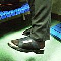 スーツ姿にサンダルで通勤する男を捕獲